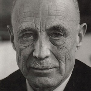 Photograph of Reinhold Neibuhr.
