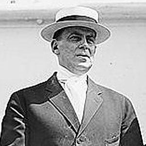 A photograph of Wilson Mizner.