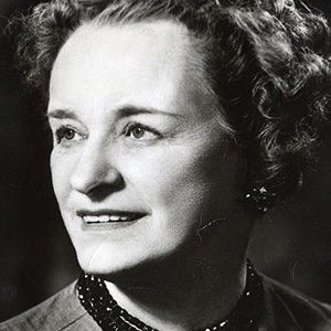 A photograph of Enid Bagnold.
