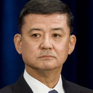 A photograph of Eric Shinseki.