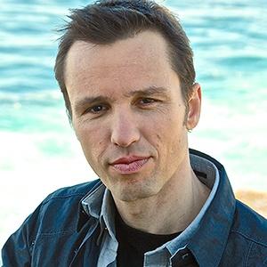 A photograph of Markus Zusak.