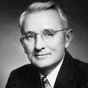 Photograph of Dale Carnegie