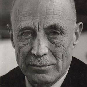 Photograph of Reinhold Neibuhr.