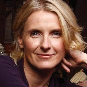 A photograph of Elizabeth Gilbert.