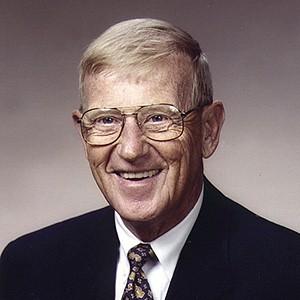 A photograph of Lou Holtz.